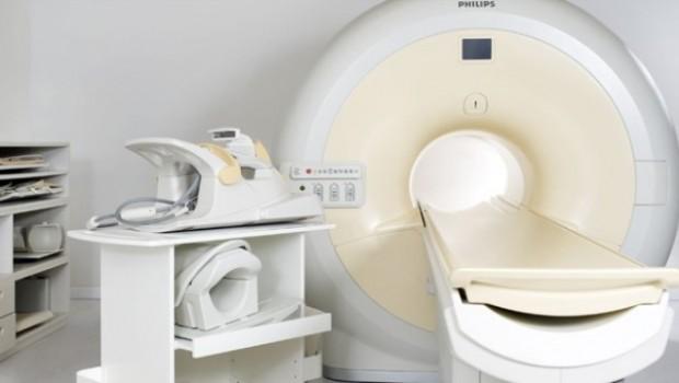 Hindistan'da bir adam MR cihazına sıkışarak can verdi