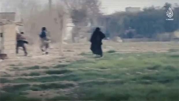 IŞİD kadınları sahaya sürdü!
