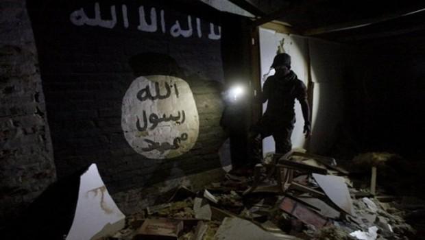 IŞİD İdlib'deki cihatçılara saldırdı!
