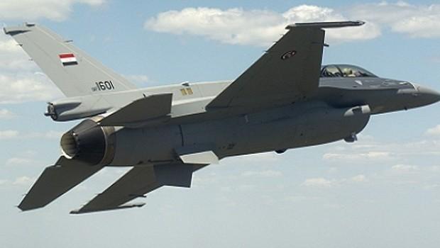 IŞİD tehlikesi büyüyor... Savaş uçakları Kerkük çevresini bombaladı!