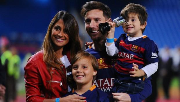 Uçaklara Messi engeli