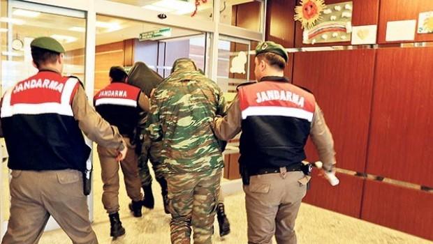 Yunanistan: Türkiye ile savaş durumunda değiliz ki, esir takası yapalım
