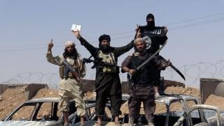 IŞİD Suriye'de bir bölgeyi ele geçirdi!