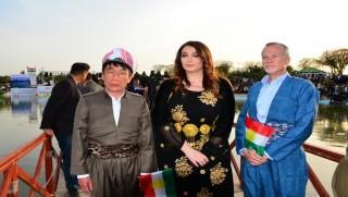ABD Başkonsolosu, Newroz kutlamasına Kürt kıyafetiyle katıldı
