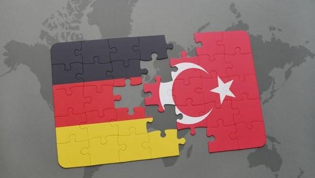 Türkiye'den Efrin'e operasyonunu kınayan Merkel'e tepki