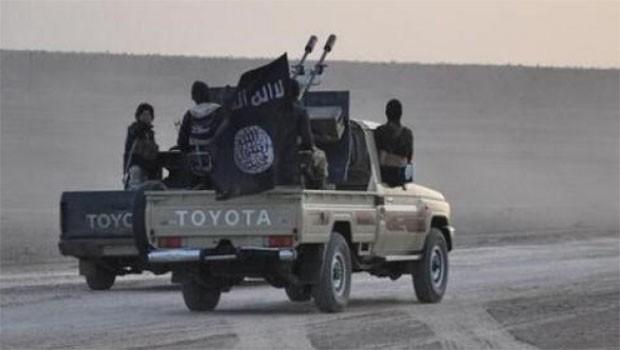 IŞİD Kerkük'te faaliyetlerini artırdı... Köylülere biat çağrısı!