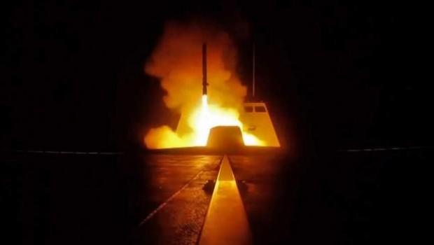 Reuters: Şam ve Humus dışında dört nokta hedef alındı