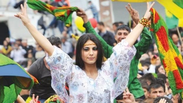 Kürt oyları HDP ısrarını sürdürüyor... Zaman, Erdoğan ve Ak Parti'ye karşı!
