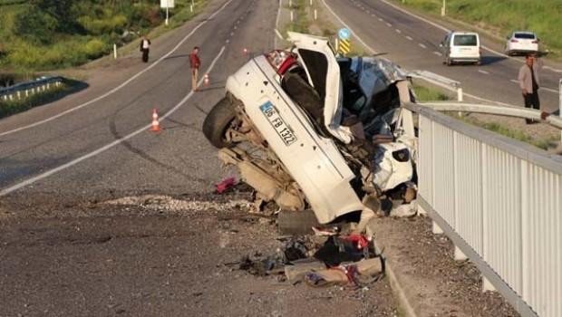 Diyarbakır'da katliam gibi kaza! 3 ölü
