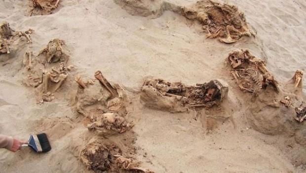 500 yıl önce kurban edilen 140 çocuğun mezarları bulundu