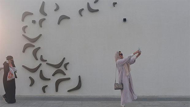 Suudi Arabistan'dan bir ilk daha... Kadın ticari ataşe