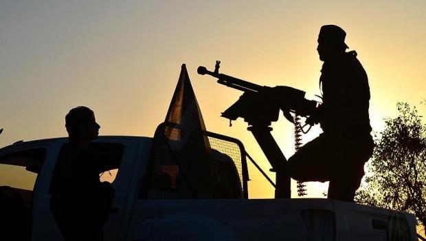 Rusya'nın Güvencesi Altında, muhalifler Efrin ve Cerablus'a taşınıyor