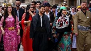 İran resmi kurumlarında Kürt ulusal kıyafetleri artık serbest