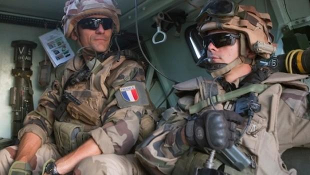 Suriye ordusu 60 Fransız askerini tutukladı