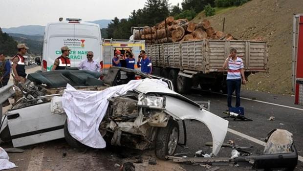 Maraş'ta korkunç kaza! 3 genç kız hayatını kaybetti
