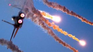 İsrail Hamas hedeflerini bombaladı