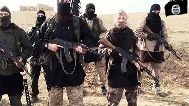 IŞİD, Kürt kasabasına saldırdı
