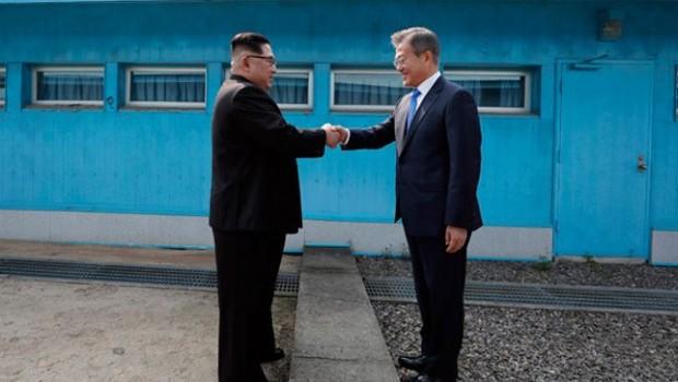 Kore'de sürpriz buluşma!