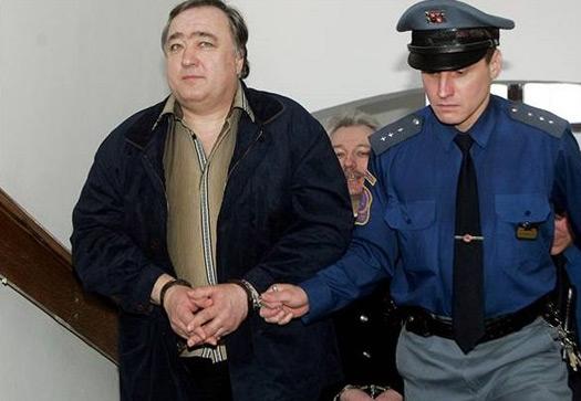 Bizi tutuklayan yüzbaşı Josef Opava