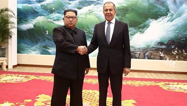 Kuzey Kore'ye giden Lavrov, lider Kim'le görüştü