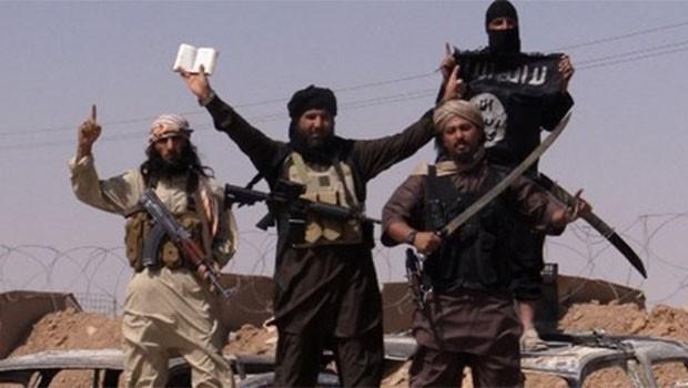 IŞİD Irak-Suriye sınırındaki kasabada kontrolü ele aldı