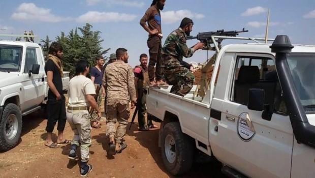 Efrin'de Muhalif gruplar arasında çatışma