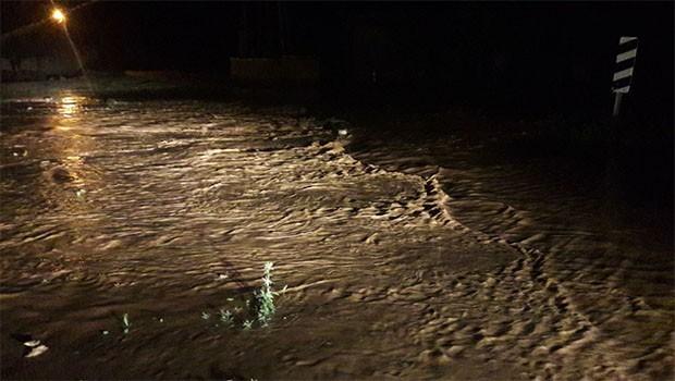 Kobani'yi sel vurdu