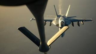 Koalisyon uçakları Suriye askerlerini vurdu