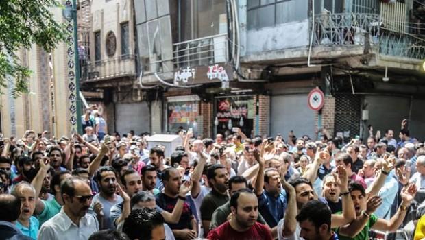 Tahran'da 'ekonomik zorluklara direnme' çağrısı