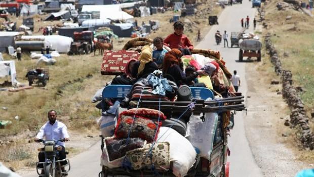 Büyük göç dalgası! Sınıra 270 bin kişi yığıldı