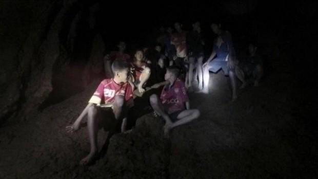 Tayland'da mağaradan kurtarılan çocukların hikayesi film oluyor