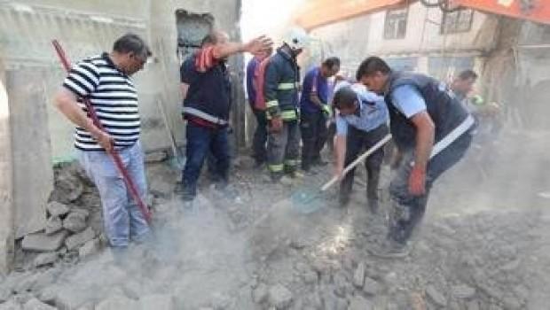 Van'da tarihi çarşısıda göçük: 1 ölü, 4 yaralı
