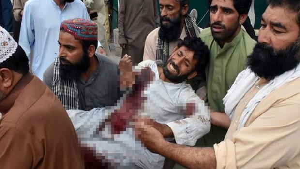 Pakistan'da katliam: 132 ölü, 232 yaralı