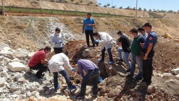 Urfa'da toprağa gömülmüş çocuk cesedi bulundu