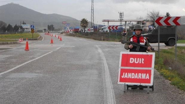 Yol kesen Jandarma, Kürt gençlerinin 1 yılına mal oldu