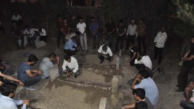 Silvan'da baraj gölünde boğulan 4 kişinin cenazesi toprağa verildi