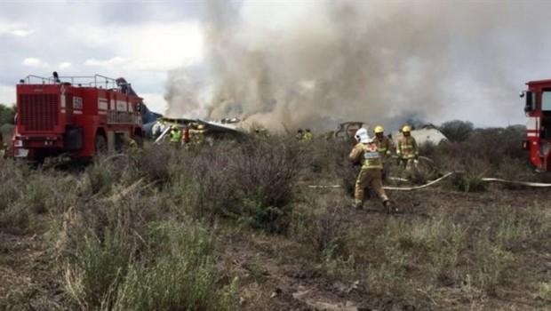 Meksika'da 101 kişiyi taşıyan uçak düştü: Ölü yok!
