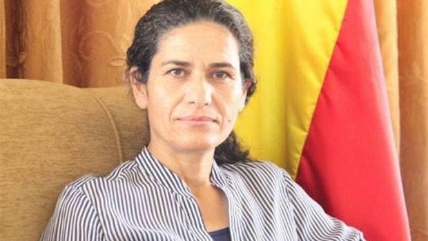 İlham Ehmed Şam'ı uyardı: Rojava'ya dönmek gibi bir hataya düşmeyin