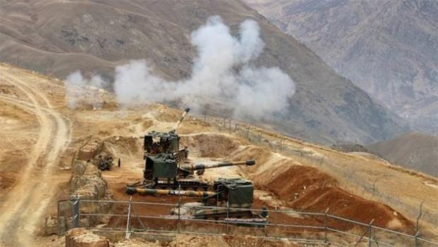 Hakkari'de askeri üs bölgesine saldırı: Yaralılar var