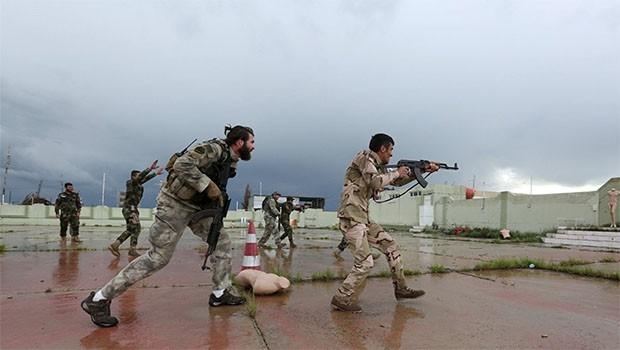İtalya'nın eğittiği Peşmergelerden askeri tatbikat!