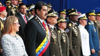 Maduro, ABD'nin yardımını kabul etti