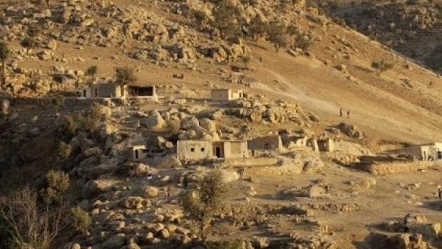 Irak, Rojava-Şengal yolunu kapattı!