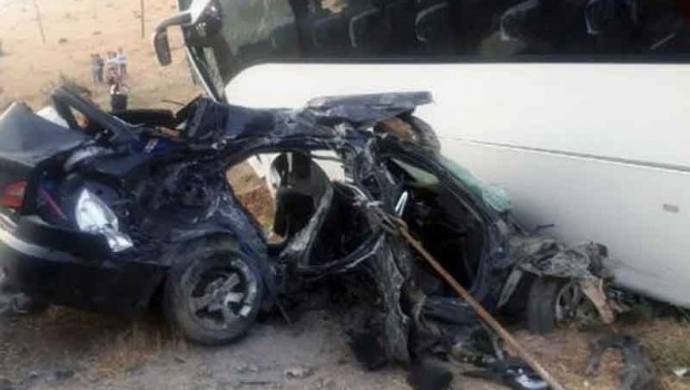 Ak Parti'lileri taşıyan otobüs kaza yaptı: 5 ölü