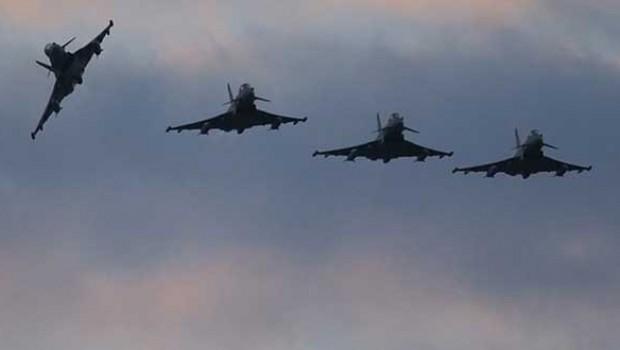 Koalisyon IŞİD'i vurdu: 18 ölü