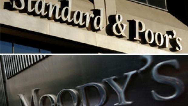 Standard&Poor's ve Moody's Türkiye'nin kredi notunu düşürdü