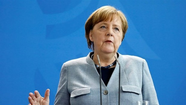 Merkel: Türkiye'ye mali yardım acil ihtiyaç değil