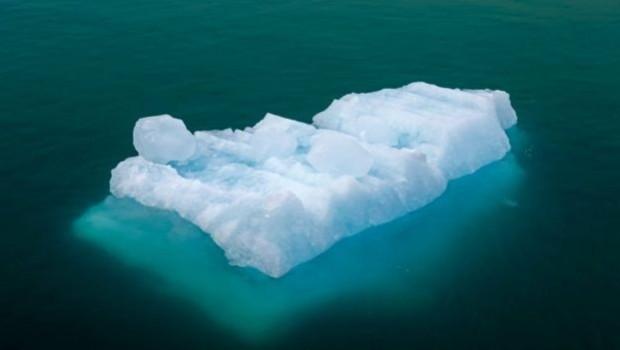 Kuzey Kutbu'nun en güçlü buz kütleleri kayıtlı tarihte ilk kez parçalandı