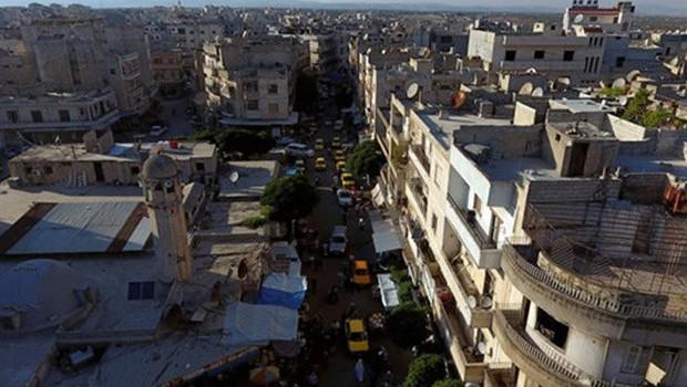 İdlib, üç taraftan kuşatıldı