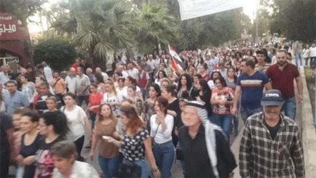 Rojava'da 'Süryani okulları kapatma' tartışması
