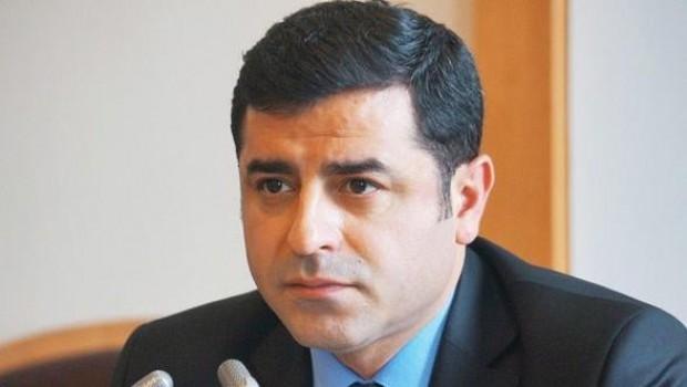 Demirtaş'tan mahkeme heyetine: Siyasi kimliğimiz sizi ilgilendirmemeli